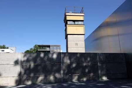 Bernauer Straße / Mauer / Sehenswürdigkeiten Berlin