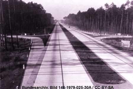 Verkehrs- und Industriebauten  / NS-Architektur