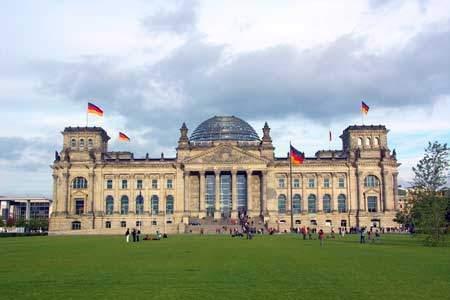 Reichstagsgebäude / Bundestag / Sehenswürdigkeiten Berlin